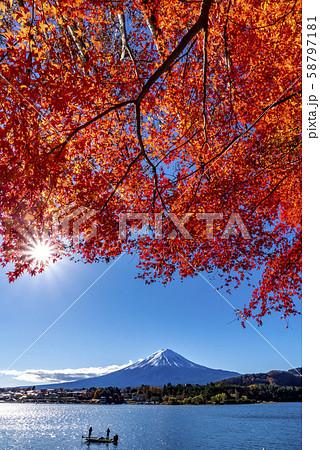 富士山 紅葉 58797181