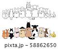 座って肩を組む動物たち 農場 58862650