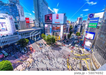 渋谷のスクランブル交差点 58874892