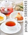 紅茶とフルーツタルトのティータイム(お茶)のイメージ。 58890493