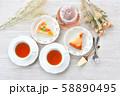 紅茶とフルーツタルトのティータイム(お茶)のイメージ。 58890495