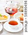 紅茶とフルーツタルトのティータイム(お茶)のイメージ。 58890498