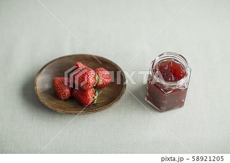苺 ジャム 58921205