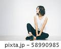 若い女性のビューティーイメージ 58990985