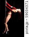 ポールダンスをする女性 59034371