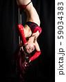 ポールダンスをする女性 59034383
