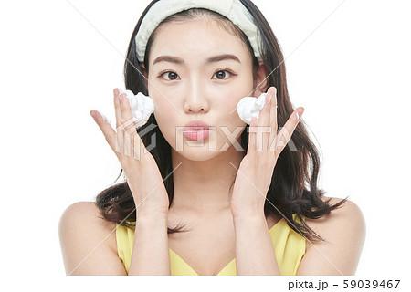 女性 ビューティー 洗顔 59039467