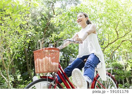 女性 ライフスタイル 自転車 59101176