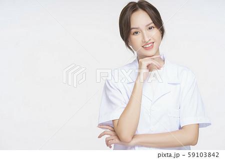 女性 医者 健康相談 59103842