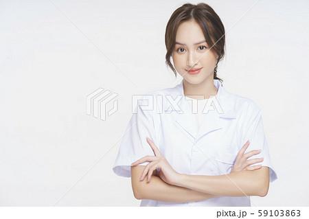 女性 医者 健康相談 59103863