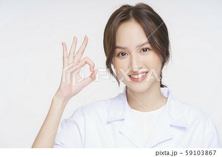 女性 医者 健康相談 59103867
