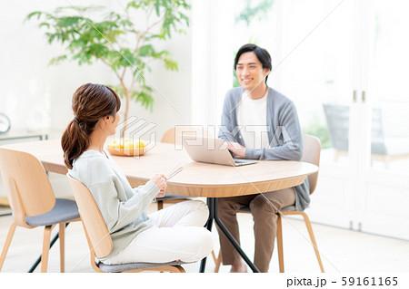 若い夫婦 59161165