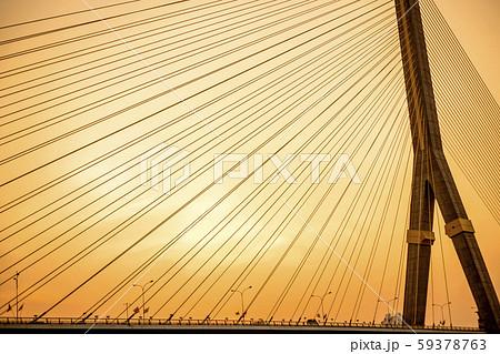 バンコク ラマ8世橋の夕陽 59378763