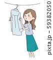 洗濯する女性 59382050