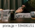 体調不良 カゼ 風邪  病気 女性 59406151