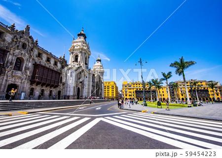 リマ大聖堂とマヨール広場 59454223