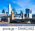 テムズ川とシティ・オブ・ロンドンの高層ビル 59462302