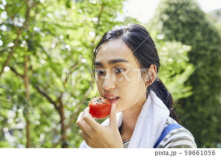 女性 ライフスタイル 農業 59661056