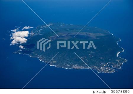 上空から見た伊豆大島 59678896