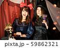 ハロウィン 仮装 女性 59862321