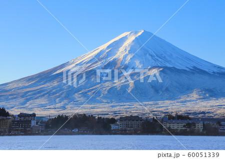 厳冬の富士山 産屋ヶ崎 60051339