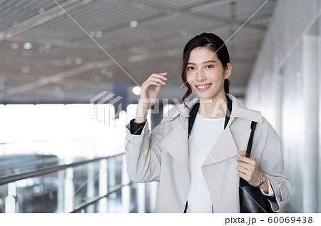 女性 ビジネス クール ポートレート 60069438