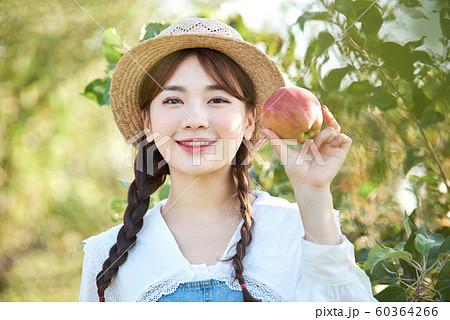 農業女子 ライフスタイル りんご 60364266