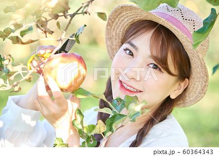 農業女子 ライフスタイル りんご 60364343