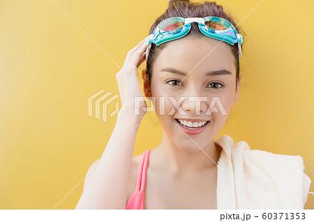 女性 スポーツ 水泳 60371353