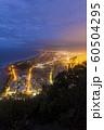 ニュージーランド タウンランガ マウント・マウンガヌイ マウアオの丘 山頂からの夜景 60504295