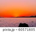赤穂御崎の真っ赤に染まりゆく夕暮れの絶景(日本の夕陽百選) 60571605