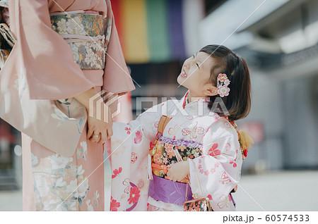 家族 七五三 撮影協力:高幡不動尊  60574533