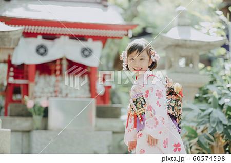 女の子 七五三 撮影協力:高幡不動尊 60574598