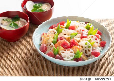 ちらし寿司と蛤の潮汁 60599794