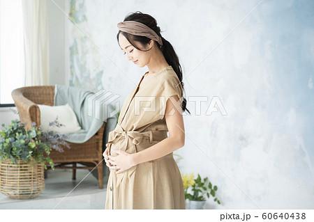 妊婦 臨月 マタニティ 60640438