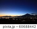 御殿場の夜景と富士山 60688442
