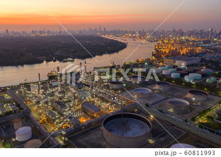 Aerial view of oil Refinery plant 60811993