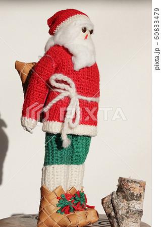 白樺ブーツのサンタクロース 60833479