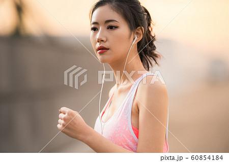 女性 スポーツウェア 60854184