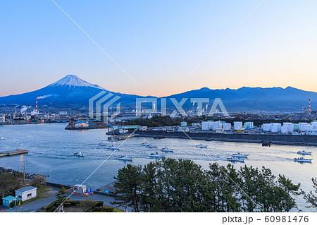 静岡_田子の浦のシラス漁船 60981476