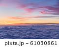 雲上の夕焼け風景 61030861