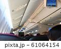航空機内 61064154