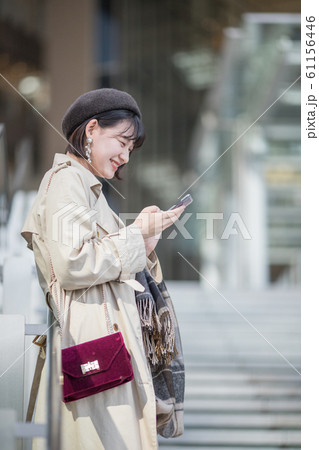 ある若い女性の休日 61156446