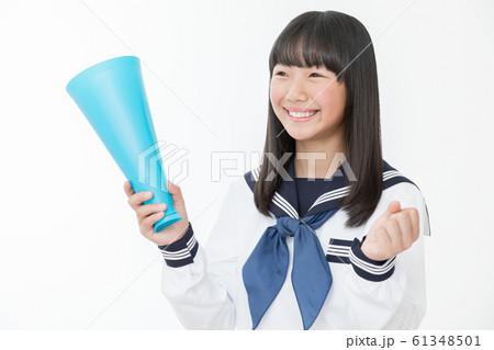 中学生 高校生 女性 セーラー服 応援 声援  61348501