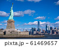 《ニューヨーク》自由の女神と摩天楼 61469657