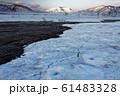 雪解けの尾瀬ヶ原から見る朝の至仏山 61483328