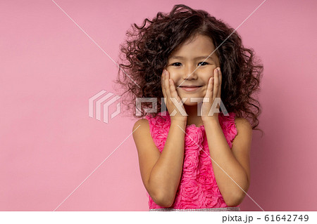 Portrait of a happy little girl 61642749