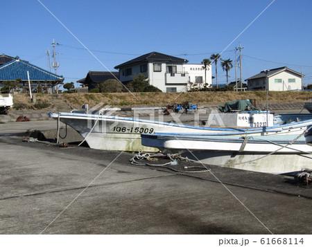 霞ヶ浦行方市の船泊まりの様子 61668114