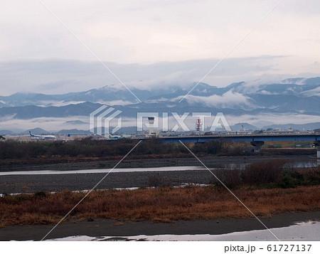 冬の物部川河口 61727137