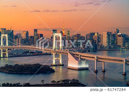 はちたまから見るレインボーブリッジのマジックアワー 【東京都】 61747284